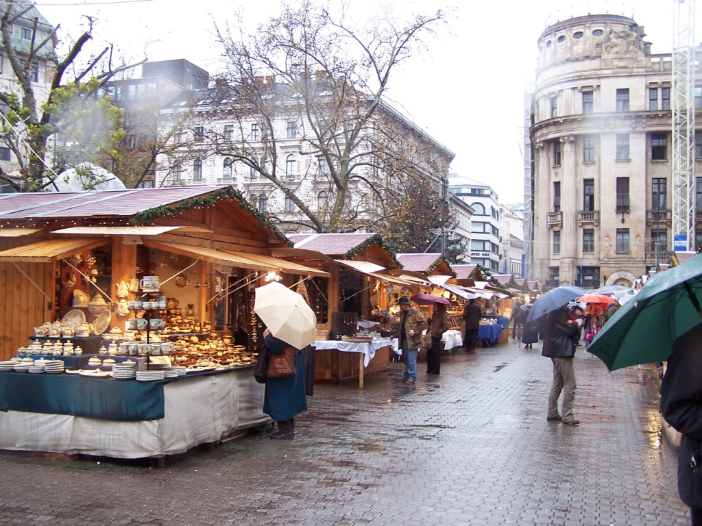 The big winter market at Vörösmarty Square.