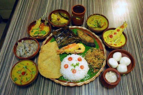 Bengali Authentic Full Meal; Source Nandinissaha (via Wikipedia)